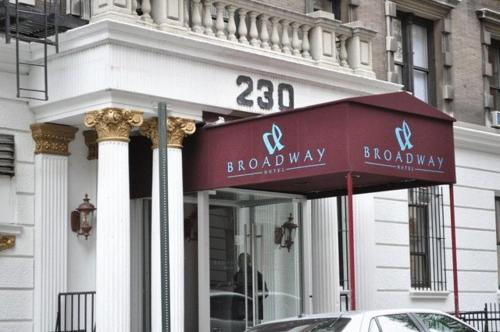 Broadway Hotel & Hostel Photo