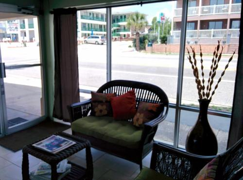 Super 8 Myrtle Beach/Ocean Front Area Photo