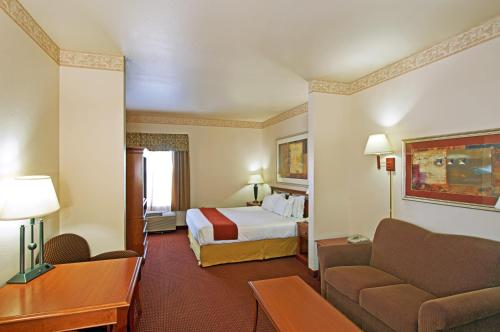 Holiday Inn Express Silver City Photo