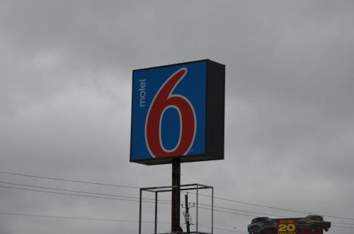 Motel 6 - Covington Photo