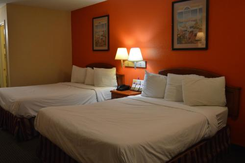 Americas Best Value Inn Gainesville TX Photo