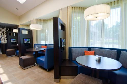 Courtyard by Marriott Huntsville University Drive Photo