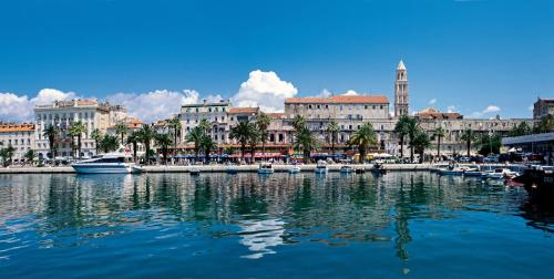Charming Room with Balcony - split - booking - hébergement