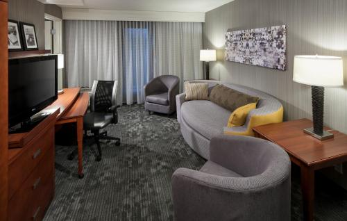 Courtyard by Marriott Seattle Kirkland Photo