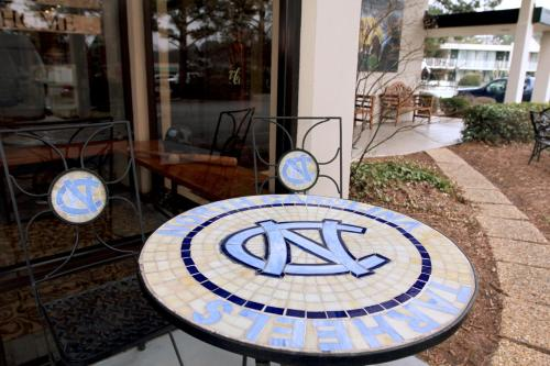 Chapel Hill University Inn Photo