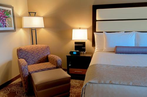 Best Western Plus Miami Airport North Hotel & Suites Photo