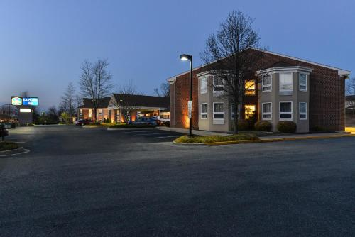 Best Western Plus La Plata Inn Photo