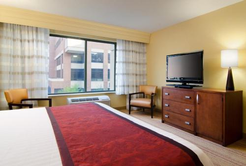 Courtyard by Marriott Birmingham Downtown at UAB Photo