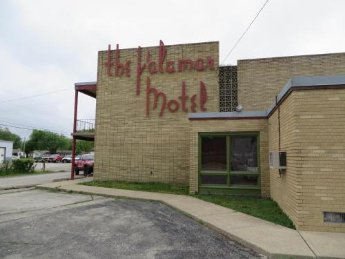 Pontiac (IL) United States  city photos gallery : Palamar Motel, Pontiac, IL, United States Overview | priceline.com