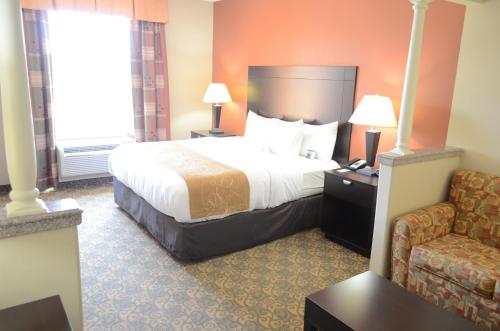 Comfort Suites Westchase Photo