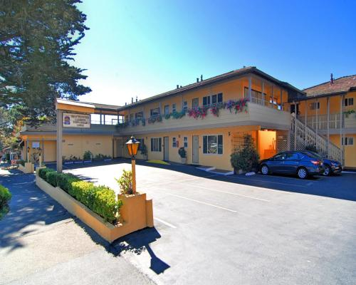 Best Western Carmel's Town House Lodge - Carmel, CA 93921