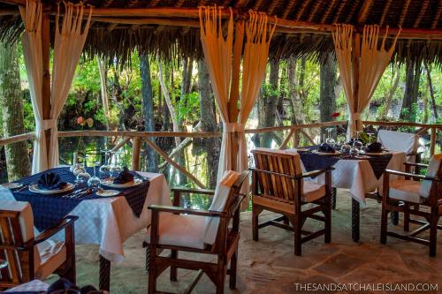 The Sands at Chale Island Photo