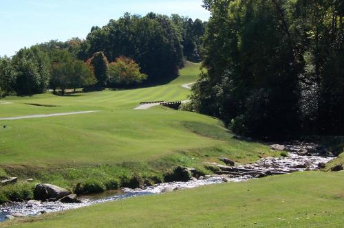 Fairways of the Mountain, a VRI resort Photo