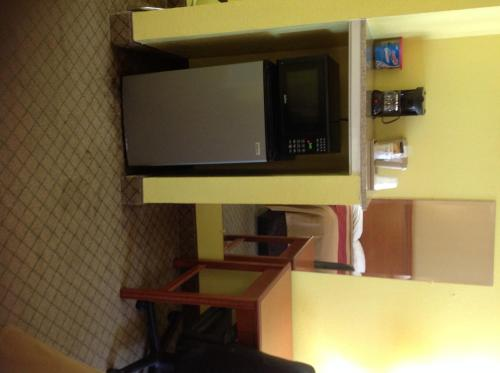 Econo Lodge Picayune Photo