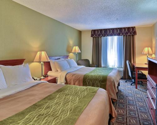 Comfort Inn Weirton Photo