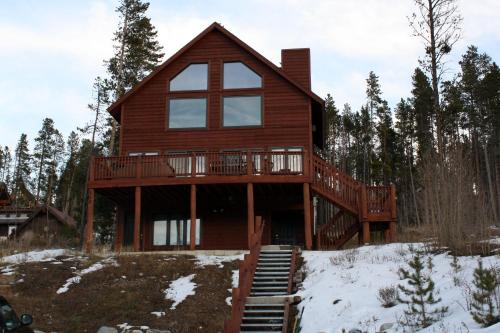 Mountain Homes by Peak Property Management