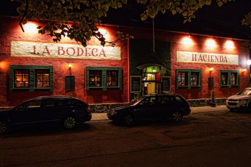 Гостиница «& Steak House Hacienda La Bodega», Фридек-Мистек