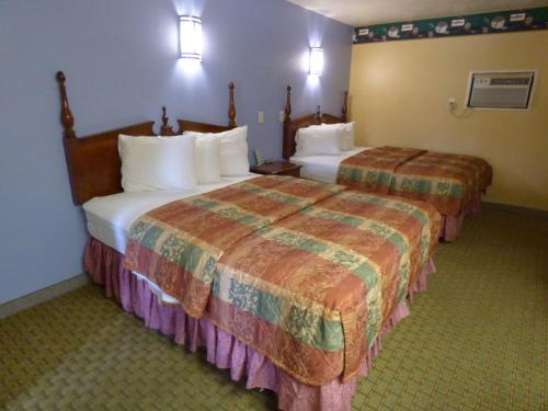 Coronada Inn & Suites Photo