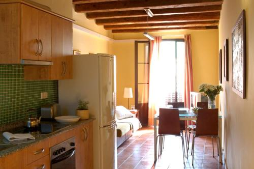 AinB Las Ramblas-Guardia Apartments photo 6