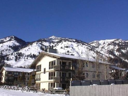 Hotel Teton Village Two Bedroom Condominiums By Jackson Hole Real Estate Company
