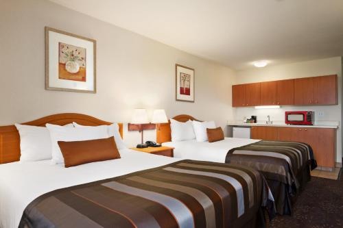 Ramada Inn & Suites Sea-Tac Photo