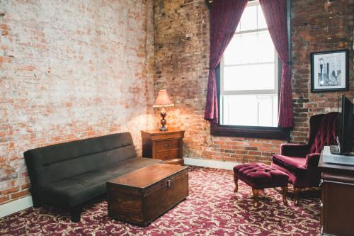 Historic Apartments at Merchants Cafe & Saloon Photo