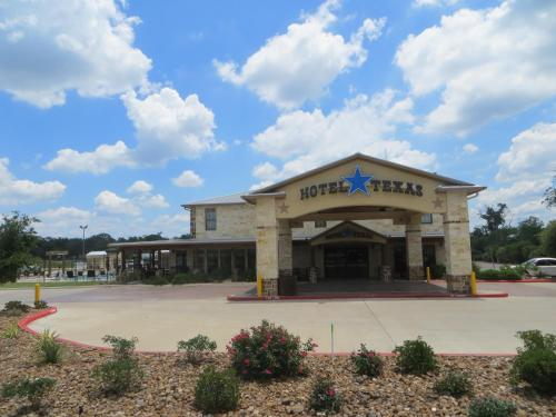 Hotel Texas Hallettsville Photo