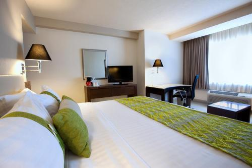 Holiday Inn Puebla La Noria Photo