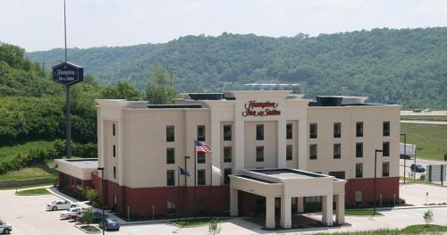 Hampton Inn & Suites Wilder Photo