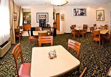 Fairfield Inn & Suites Burlington Photo