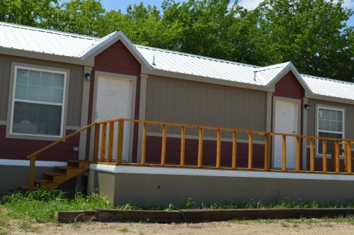 Big Chief RV Park and Extended Stay Cabins - Ponca City, OK 74601