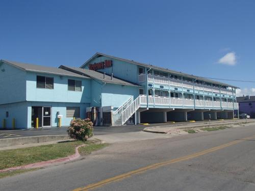 Regency Inn Motel by the Beach Photo