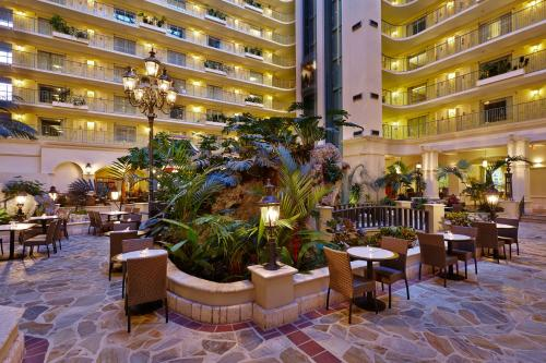Embassy Suites by Hilton Fort Lauderdale - 17th Street Photo
