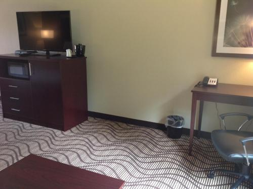 Executive Inn and Suites Jefferson Photo