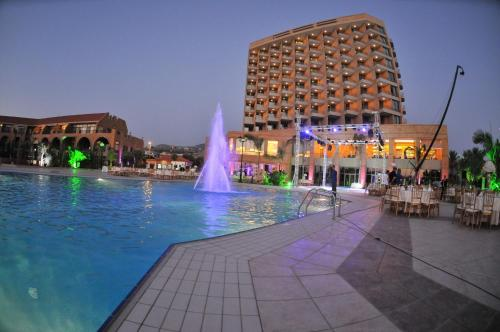 Golden Tulip Jiyeh Marina Resort Photo