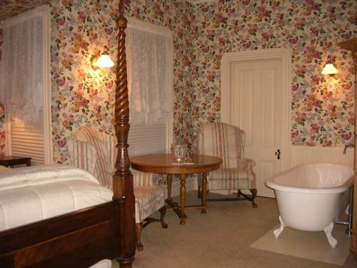 Bradford Place Inn (California) - Sonora, CA 95370
