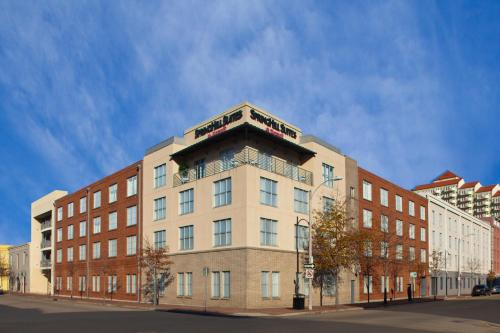 SpringHill Suites by Marriott New Orleans Downtown/Convention Center Photo