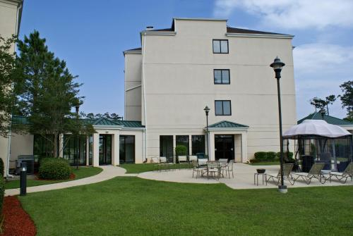 Courtyard by Marriott Covington / Mandeville Photo