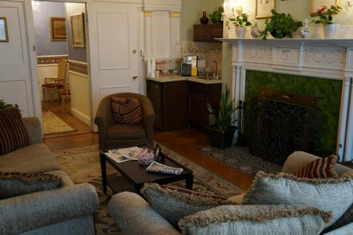 463 Beacon Street Guest House Photo