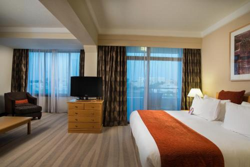 Crowne Plaza Muscat Photo