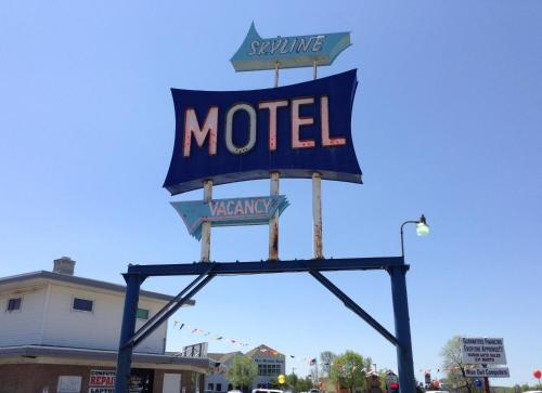 Skyline Motel Photo