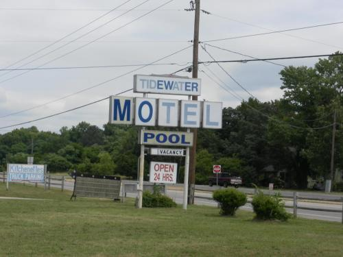 Tide Water Motel Hayes Photo