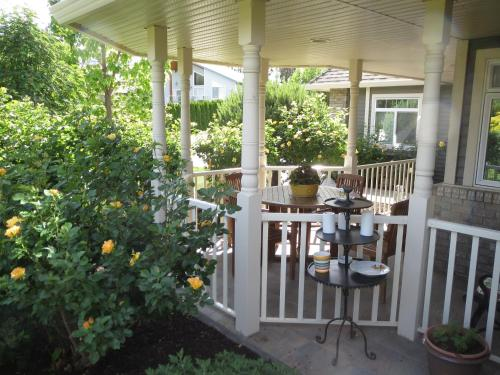 Yellow Rose Bed & Breakfast Photo