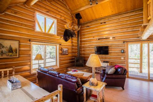 The Cabins at Rock Creek Photo