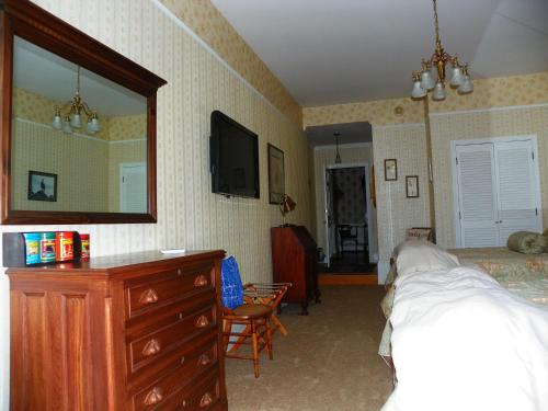Homeport Historic Inn Photo