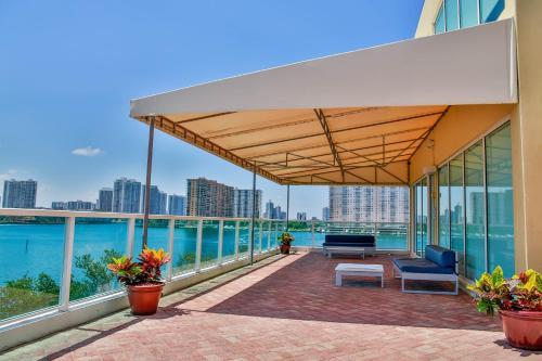 Miami Beach Intracoastal Apartments by Globe Quarters Photo