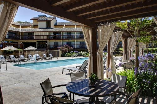 Hilton Garden Inn Monterey Photo