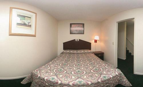 Rodeway Inn & Suites Williamsburg Photo