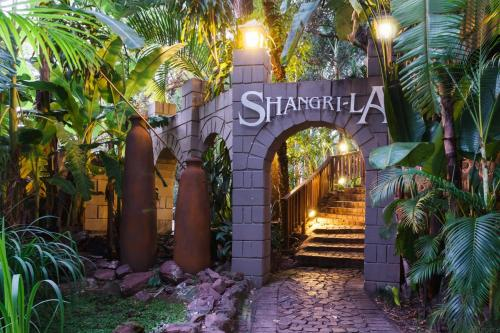 Shangri-La Country Hotel & Spa Photo