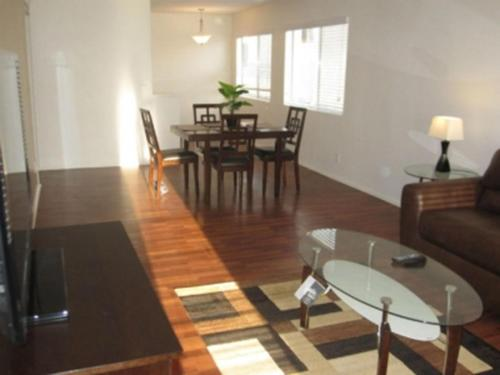 Amazing Beverly Hills One-Bedroom Apartment - Los Angeles, CA 90210